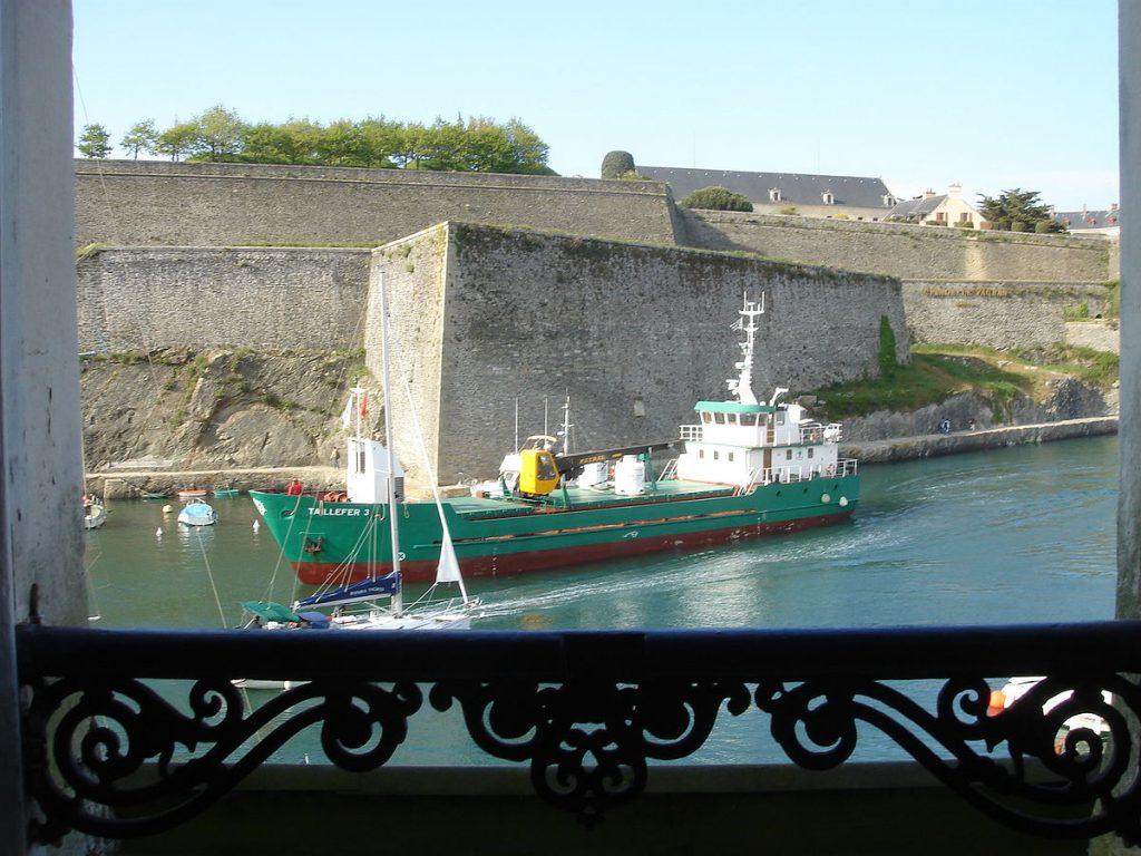 bateau cargo