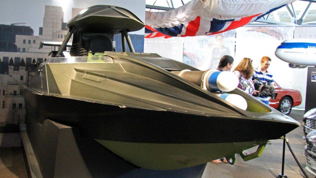 bateau glastron