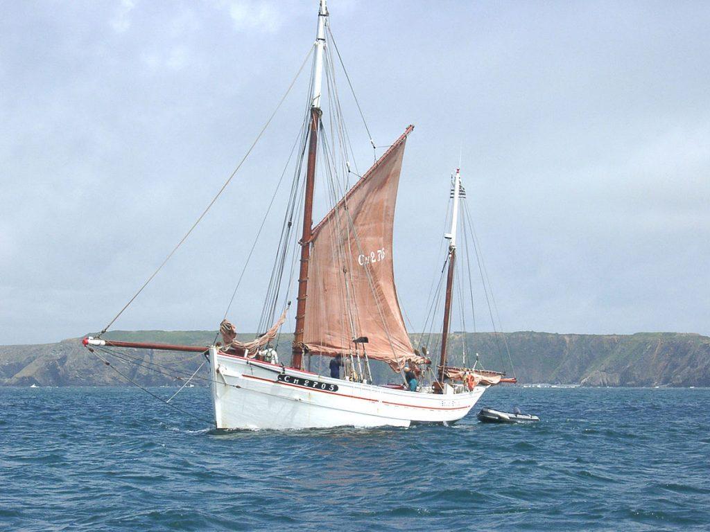 bateau qui flotte