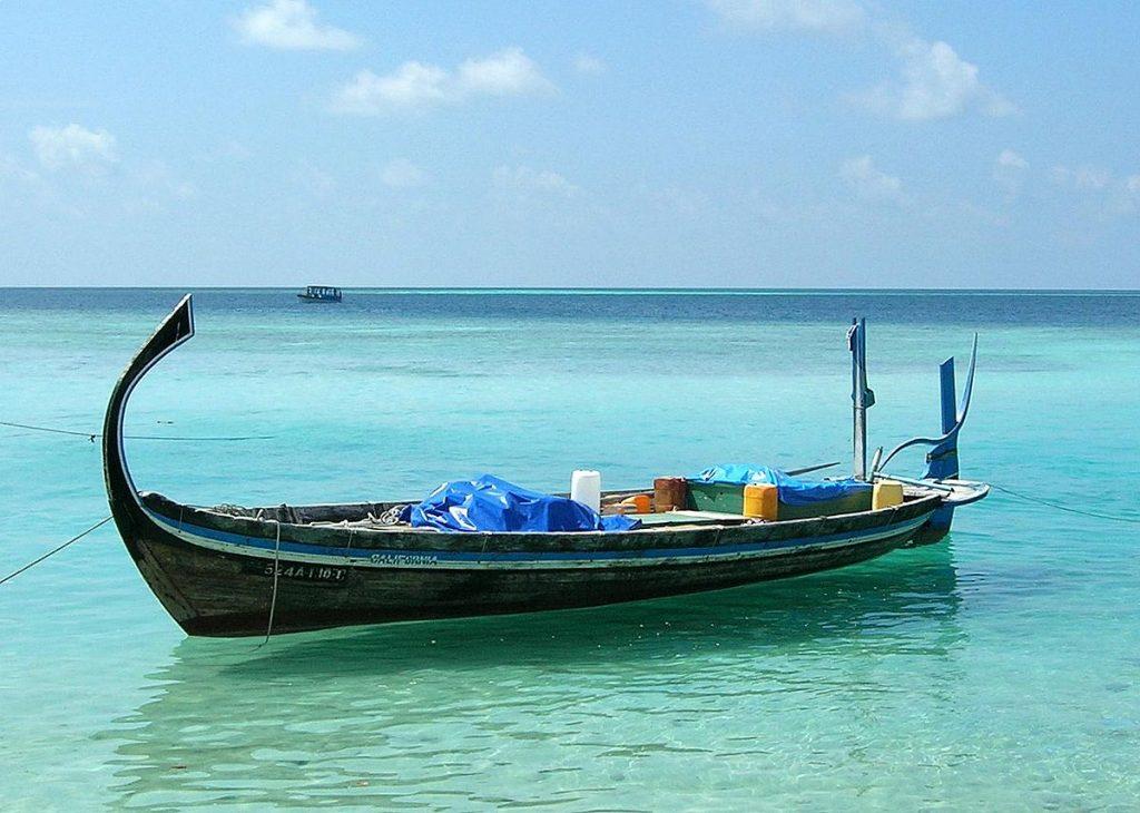 bateau de pêche en mer