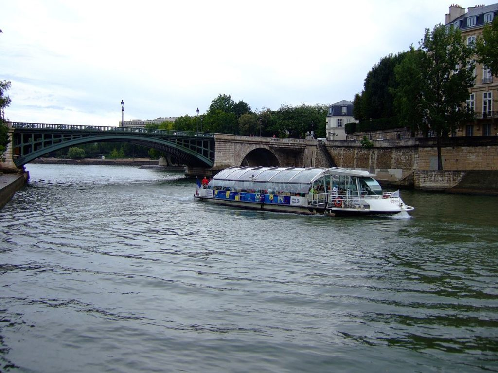paris seine bateau